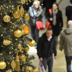 1215_christmas-shopping_398x398-300x300